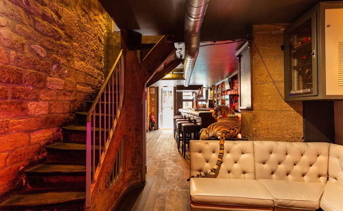 Gentleman Pub #5